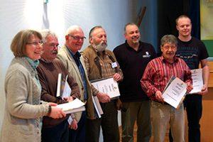 Berhard Behr (4. von links) als Vertreter unseres Vereins nimmt in Mayen einen Preis entgegen.